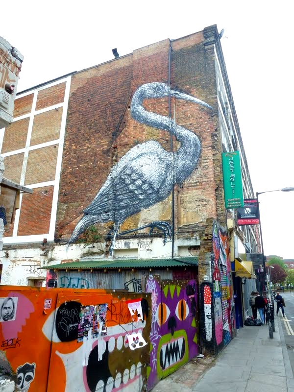 La Grue de ROA dans Hanbury Street, (Brick Lane), Londres - avril 2010 ©street-art-avenue.com