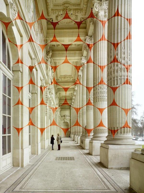 Dynamo par Felice Varini - Le Grand Palis, Paris 2013