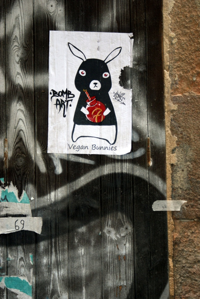 vegan bunnies - street art - barcelone