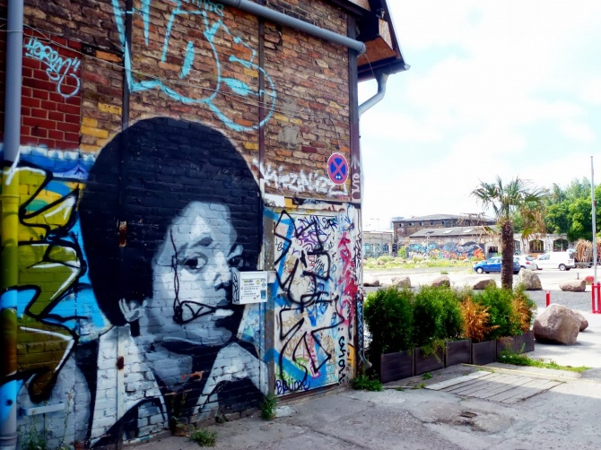 cc: vidos - www.street-art-avenue.com