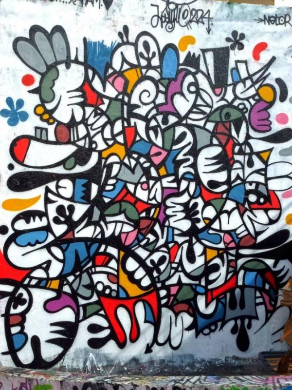 http://www.street-art-avenue.com/wp-content/uploads/2013/10/leito-teenage-kicks-rennes-1-600x800.jpg