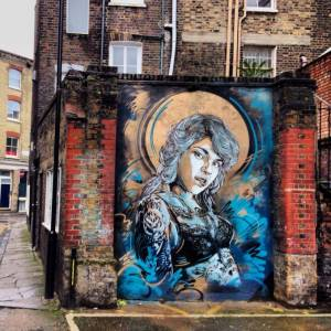 C215 /// Back to Black dans le East End, Londres