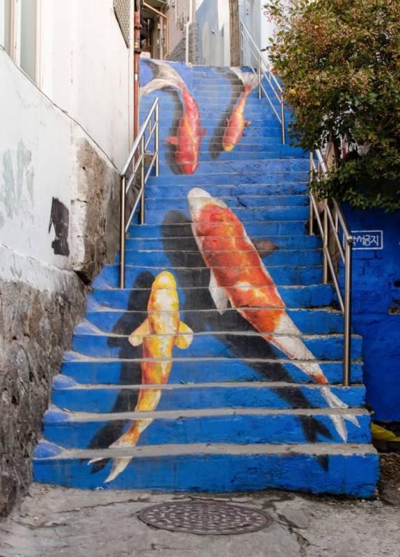 koi-fish-stairway