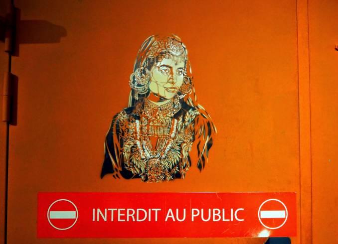 Artiste-Ouvrier, Quai36 - Gare du Nord Paris // photo juin 2015 @vidos - street-art-avenue