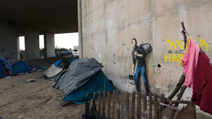 The Jungle refugee camp // // Calais - dec 2015 © Banksy