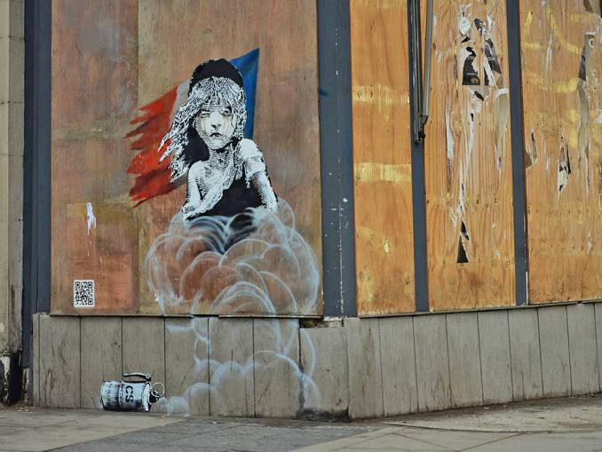banksy - street -art -london - french - embassy - réfugiés - calais