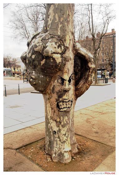 ladamenrouge - street art -saint-etienne