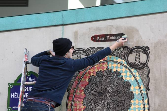 aurel-rubbish-street-art-paris_9