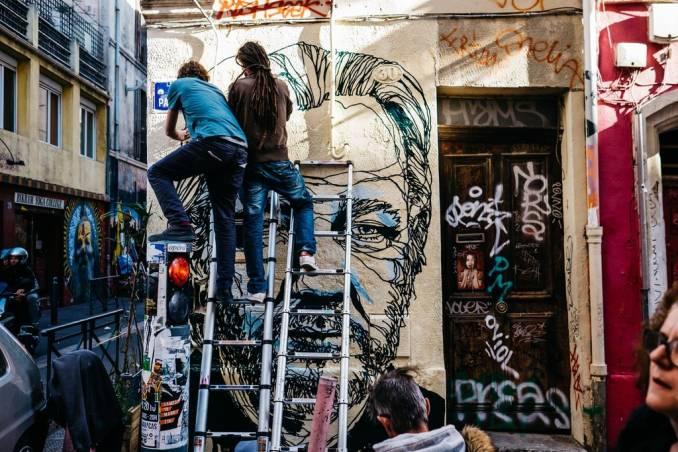 mahn kloix - street art - julian assange - marseille