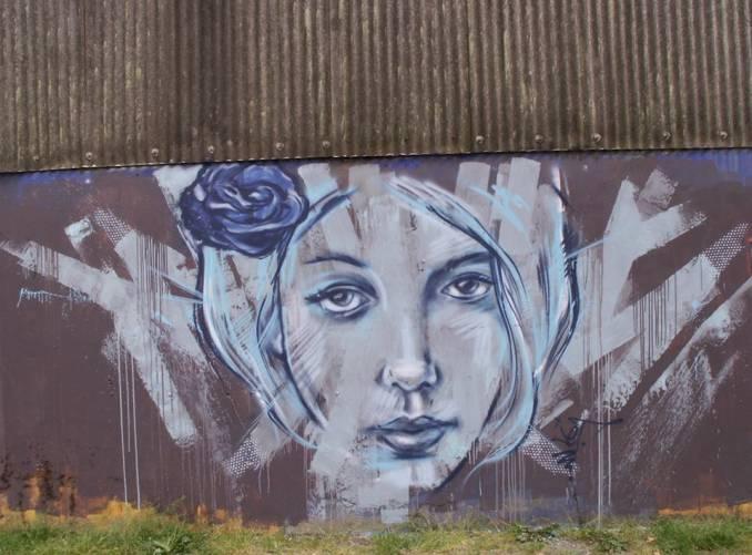 jef-noir-rouge-bleu-streetart-redon_9