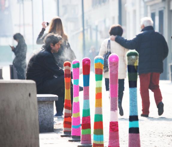 Yarn Bombing par Magda Sayeg // Photo © Magda Sayeg