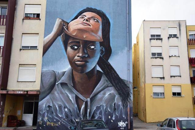 nomen-streetart-lourés