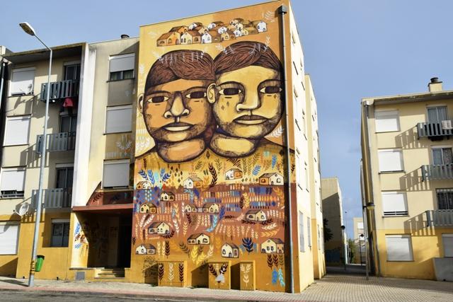 pol-corona-streetart-lourés