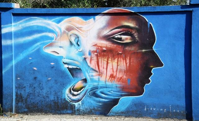 drawing jesus- streetart - lisbonne