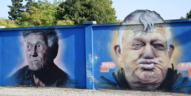 robô - smile- streetart - lisbonne