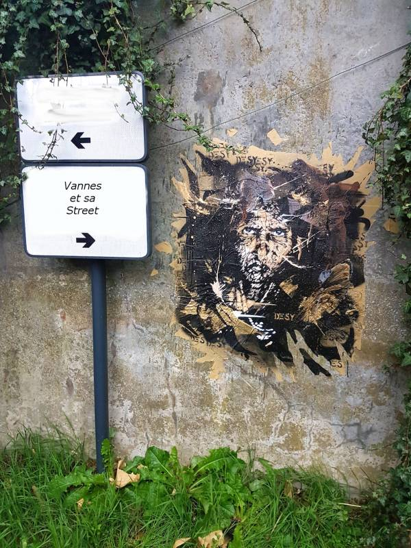 desy - street art - collage - pochoir - vannes
