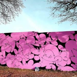 greky 25 - pink - street art avenue - vannes - bretagne