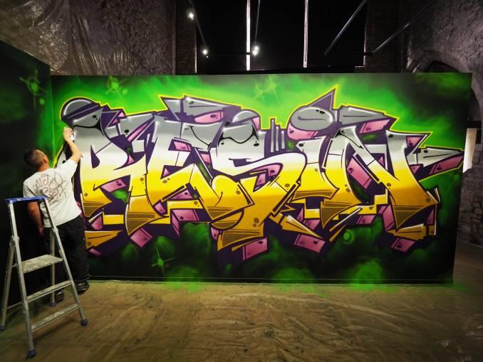 rezin - hors cadre - street art avenue - vannes