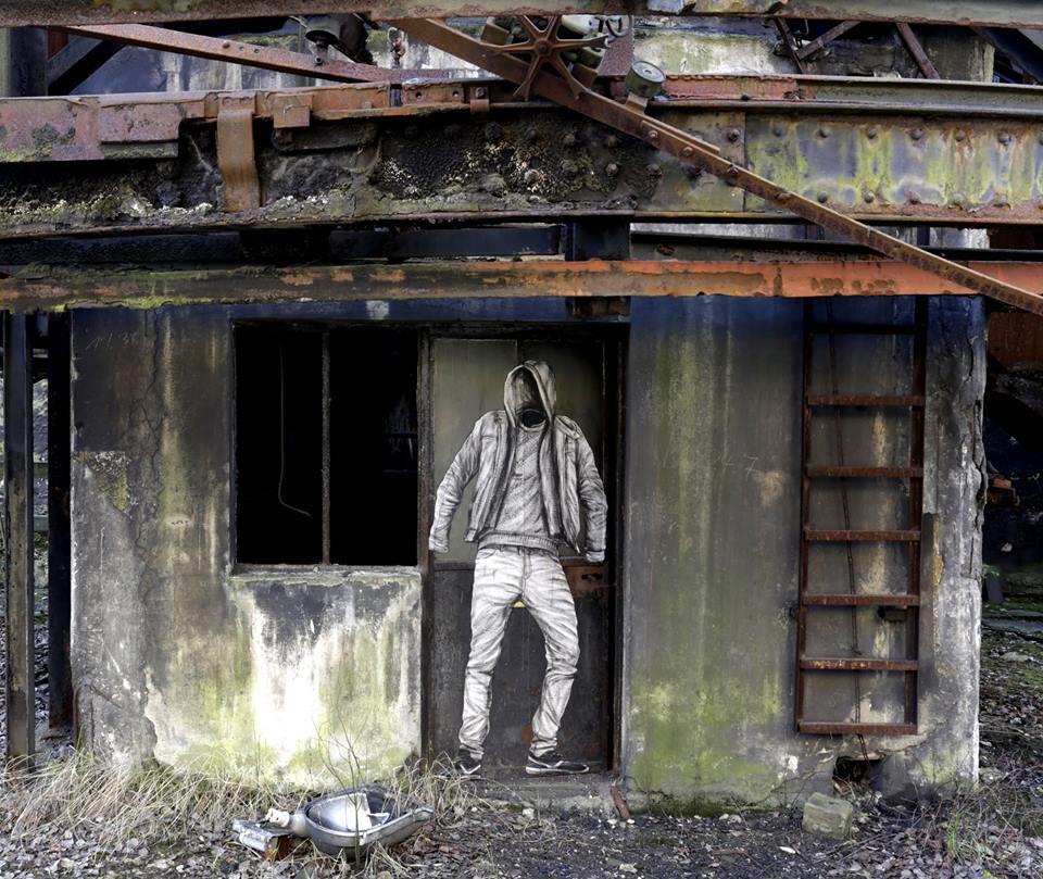 levalet - street art - l'intrus - urbanart biennale - volklingen