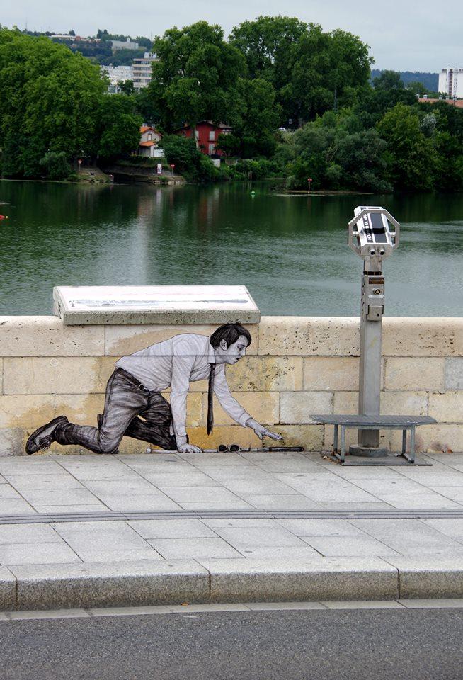 levalet - street art - voir plus loin - toulouse