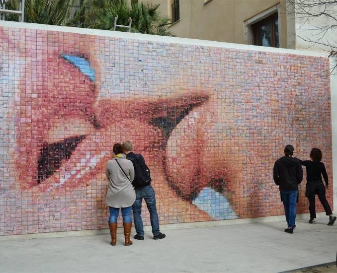 joan funtcuberta - street art avenue - pink mosaic - barcelone