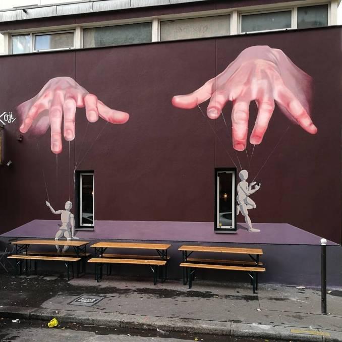 oji - fvpires - street art avenue - pink mosaic - paris 13