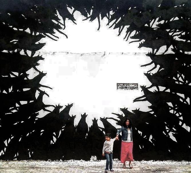 david de la mano - street art - mosaic street art avenue - black and white - montevideo