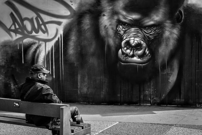 kalouf - street art - mosaic street art avenue - black and white - paris