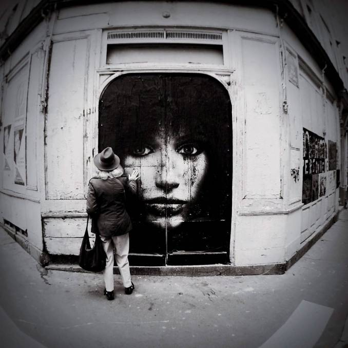 softtwix - street art - mosaic street art avenue - black and white - paris