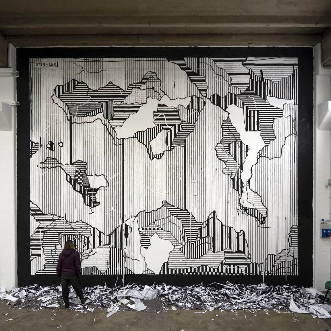 stenlex - street art - mosaic street art avenue - black and white - modena